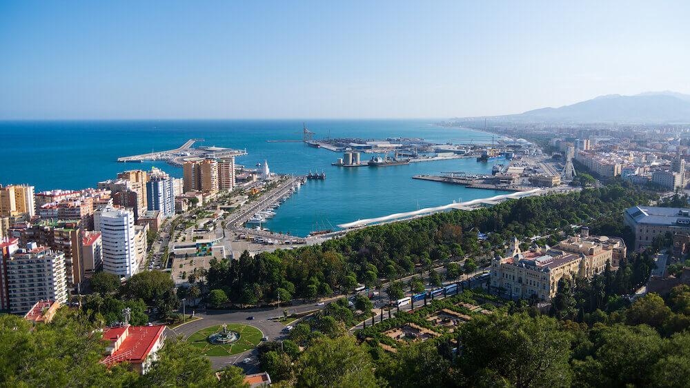 Alquiler de coche en vacaciones por Málaga